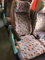 Título do anúncio: Bancos Ônibus viagio semi leito em bom estado