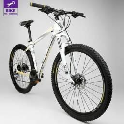 Bicicleta Gonew Endorphine 8.3 - Aro 29 - Shimano 27 Marchas. Branca