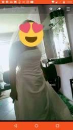 Vendo vestido de noiva importado usado uma vez só.