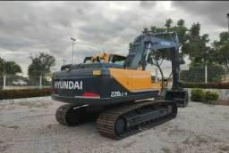 Escavadeira hidráulica Hyundai 220 LC 9