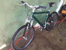 Vendo bicicleta regulada só anda