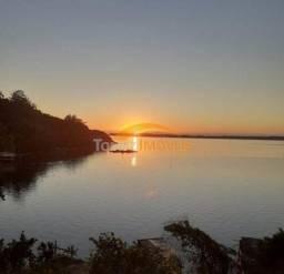 Terreno de 3000 m² à beira da lagoa, em Imaruí Santa Catarina