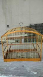 Gaiola pássaro grande