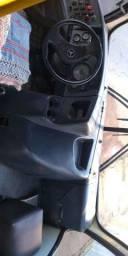Microônibus Mercedes Benz LO-915