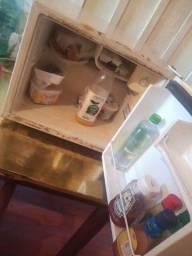 Mini geladeira consul