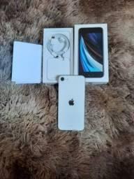 iPhone se de 128 gigas novo com nota fiscal e garantia