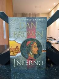 "Livro ""Inferno"", de Dan Brown, seminovo"