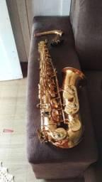 Saxofone Alto novinho