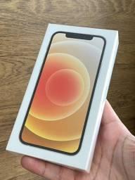 iPhone 11 128GB - Lacrado, 1 ano de garantia! Até 18x no cartão. 128 GB 64 64gb
