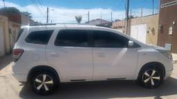 Vendo Chevrolet spin branca 2014 completa