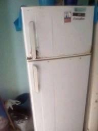 Geladeira de 2 portas