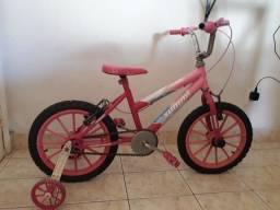 Vendo bicicleta infantil. Não faço entrega!