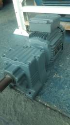 Motor motoredutor 1 cv trifásico Redução 1/ 28.