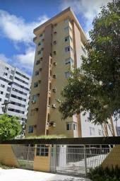 Apartamento para venda possui 121 metros quadrados com 3 quartos em Ponta Verde