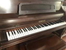 Piano novo afinado Fritz Dobbert de armário