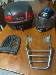 Vendo Baú de moto + suporte + capacete