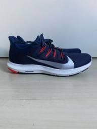 Nike runing quest tamanho 42