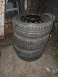 4 pneus  aro 13 com roda é tudo
