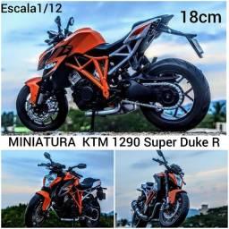 MINIATURA MOTO KTM 1290 super duker R 18 cm