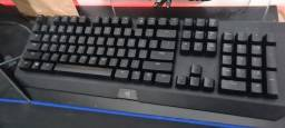 Teclado Gamer Razer black window chroma