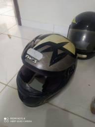 Vende 4 capacetes em estado de uso