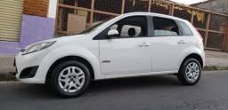 Fiesta 1.6 Completo, 4 pneus novos, com 51 mil quilômetros original, particular