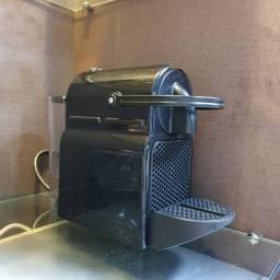 Cafeteira Nespresso Inissia D40, cor preta