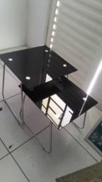 Mesas em vidro