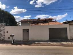 Casa Residencial Araguaia , 3 quartos sendo 1 suíte.