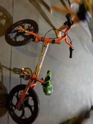 Bicicleta infantil 100 não entrego está no Danúbio azul
