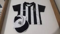 Camisa + boné torcida galo baby oficial_ usado