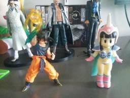 Coleção com 10 anime figures por apenas 150 reais