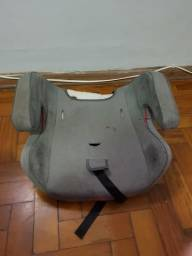 Assento de cadeirinha infantil para automóveis usada