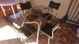 Mesa 4 cadeiras de vidro inox top