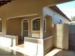 Sem IPTU/Parcela Caução 5x/Casa esquina c/9 peças/3 quartos/3 varands/Potencial p/Comércio