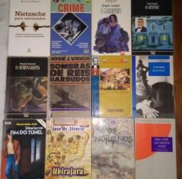 Coleção de livros novos e usados