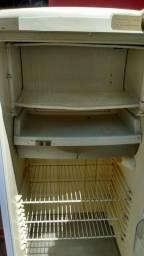 Vendo está geladeira cônsul de uma porta