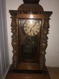 Relógio antigo funcionado