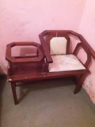 Vendo essa cadeira com mesinha