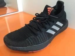 Tênis Adidas UltraBoost Masculino Tamanho 42