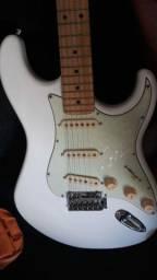 Vendo guitarra Tagima tg635 preço negociável