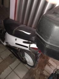 Bicicleta elétrica. 1.500 pra vender logo.
