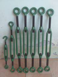 Esticadores de cabo de aço.