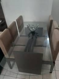 Mesa com 6 cadeiras semi nova