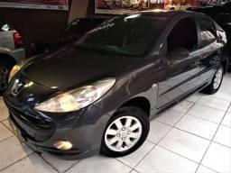 Peugeot 207 2011 impecável