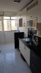 Ótimo apartamento com excelente localização, 2 quartos com garagem - Centro