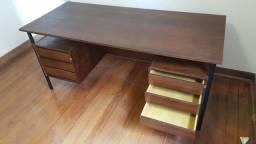 Mesa escritorio em imbuia