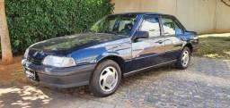 Monza Club 2.0 EFi 8v 4 portas gasolina Impecável 1994