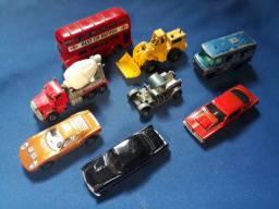 Lote de 8 carrinhos antigos escala 1/64