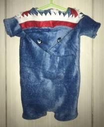 Macacão tubarão (baby shark)